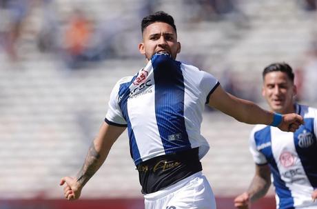 A proposta do Atlético-MG por Nahuel Bustos foi recusada pelo Talleres-ARG, clube do jogador (Foto: Divulgação/Instagram)
