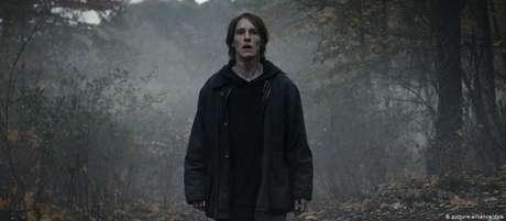 Ator Louis Hofmann é Jonas Kahnwald na série 'Dark'