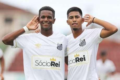 Renyer e Ivonei repetem parceria da base no time profissional (Foto: Pedro Ernesto Guerra Azevedo/Santos FC)