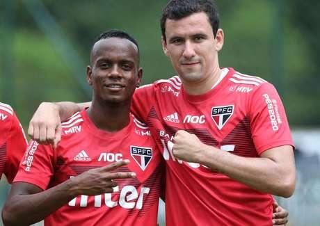 Helinho e Pablo serão opções para Fernando Diniz substituir Antony no ataque do São Paulo (Foto: Divulgação/Rubens Chiri)