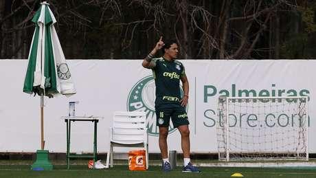 Gustavo Gómez tem contrato registrado até esta terça, mas já assinou vínculo até 2024 (Foto: Agência Palmeiras)