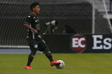 Alexander Lecaros em ação pelo Botafogo (Foto: Vítor Silva/Botafogo)