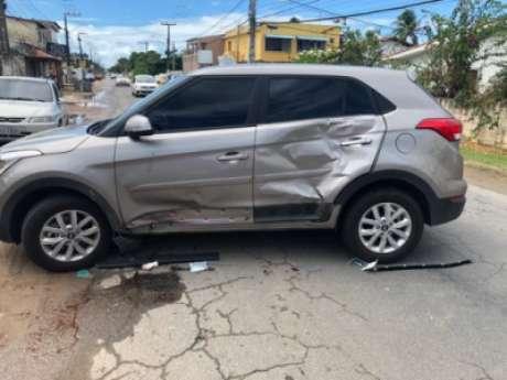 Carro após o acidente (Foto: Reprodução)