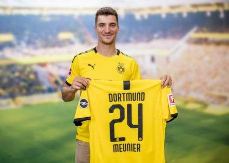 Meunier foi a primeira contratação do Borussia Dortmund para a próxima temporada (Foto: Divulgação)