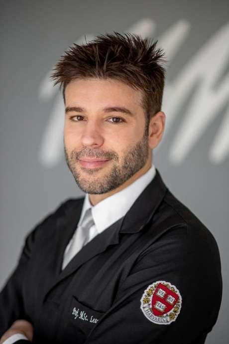 Dr. Leandro Rago