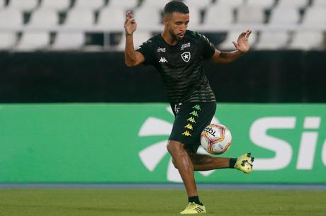 Caio anotou um dos gols da goleada da equipe (Foto: Divulgação/Vitor Silva)
