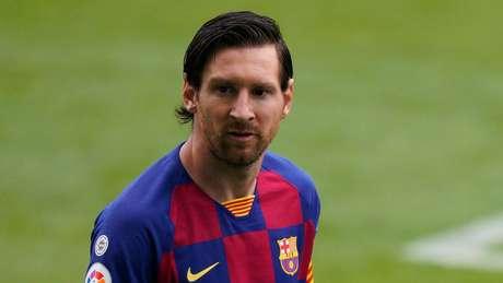 Messi chegou aos 700 gols, mas Barcelona ficou mais distante do título
