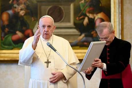Papa Francisco celebra audiência geral no Vaticano