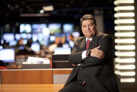 José Luiz Datena na redação do jornalismo