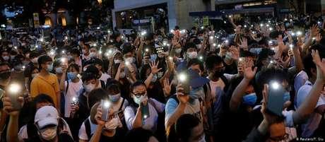 Manifestantes pró-democracia em Hong Kong. Pequim vem tentando sufocar o movimento desde 2019