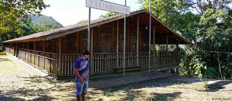 Escola da aldeia Rio Bonito, em Ubatuba, fechada devido à pandemia