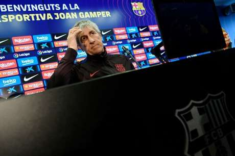 Quique Setién vive momento de desgaste com jogadores no Barcelona (Foto: AFP)