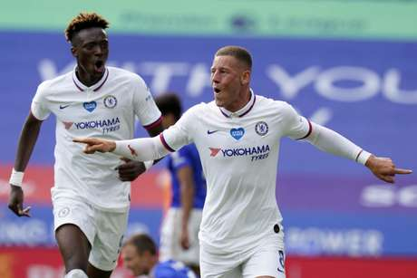 Chelsea tem quatro jogos e quatro vitórias pós paralisação do futebol inglês (Foto: TIM KEETON / AFP)