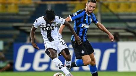 Inter venceu Parma de virada nos últimos minutos de jogo (AFP)