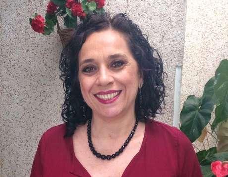 """Lucélia Paiva, doutora em Psicologia pela USP: """"A falta do corpo nos rituais de despedida pode gerar um luto mais complicado."""""""