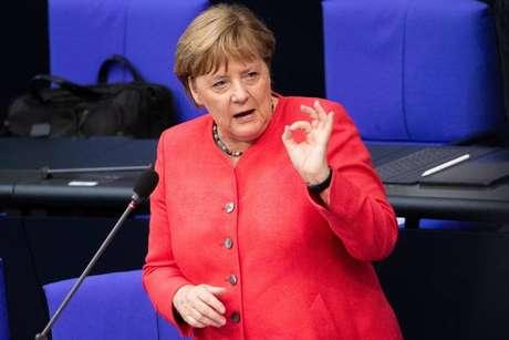 Merkel assume presidência rotativa da União Europeia
