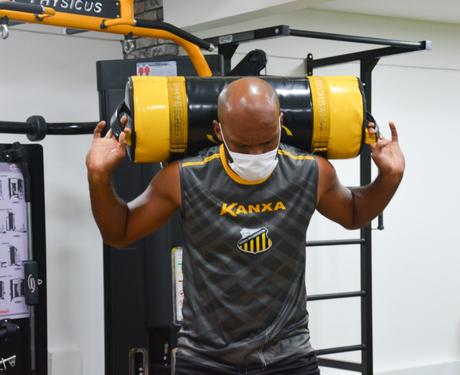 Os jogadores do Novorizontino realizaram exercícios físicos nesta quarta-feira (Foto: Divulgação/Novorizontino)