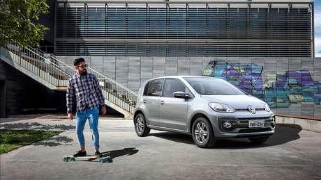 Volkswagen Up: é caro e apertado para cinco pessoas, por isso deve mudar para quatro.