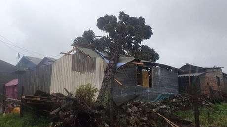 Moradores da região Sul contabilizam prejuízos após a passagem de um ciclone extratropical pela região
