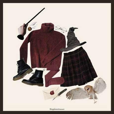 Utensílios inspirados em Harry Potter que estão na conta 'MyFairestTreasure' do Instagram, administrada pelos cultuadores do grupo Dark Academia.