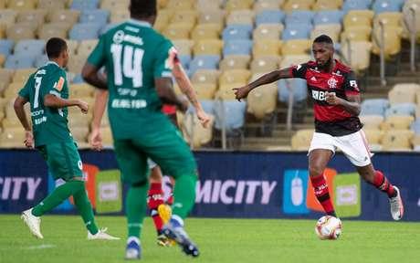 Coringa em alta: Gerson foi o cara do Flamengo diante do Boavista (Foto: Alexandre Vidal / Flamengo)