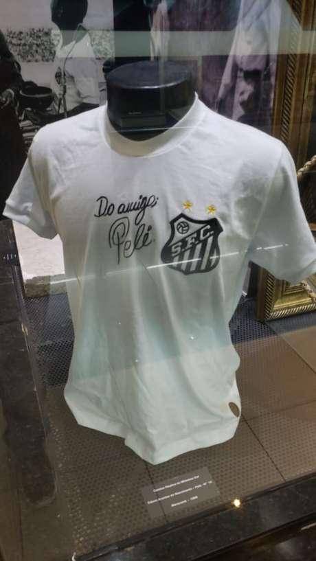 Camisa representa um dos momentos mais emblemáticos do futebol (Foto: Diviugação/Memorial das Conquistas)