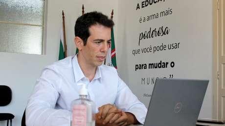 Na secretaria do Paraná, Feder tem investido em programa de aulas não presenciais durante a pandemia