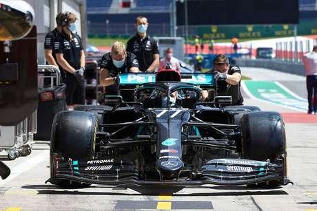 Mercedes usa o sistema de Direção de Duplo Eixo
