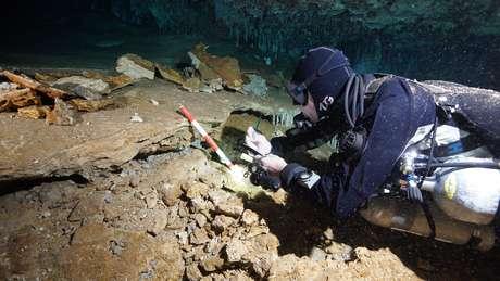 Mina de ocre encontrada em caverna subterrânea na Península de Yucatán, no México 02/07/2020 CINDAQ.ORG/Divulgação via REUTERS