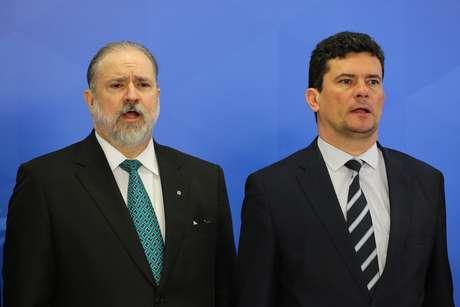 Augusto Aras ao lado de Sergio Moro na solenidade de posse do novo Procurador Geral da República (PGR)