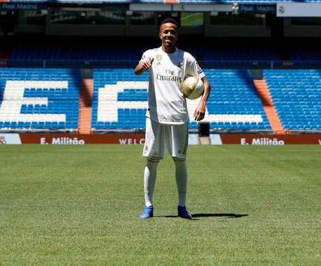 Éder Militão está com moral no Real Madrid (Foto: Divulgação/Real Madrid)