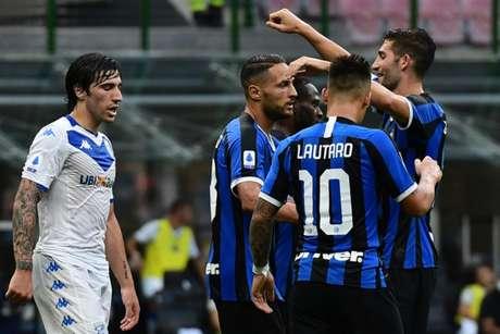 Inter de Milão vem de goleada aplicada sobre o Brescia por 6 a 0 (Miguel MEDINA / AFP)