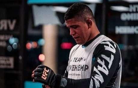 Durinho testou positivo para Covid-19 e foi retirado do card do UFC 251 (Foto Reprodução/Instagram/@gilbert_burns)
