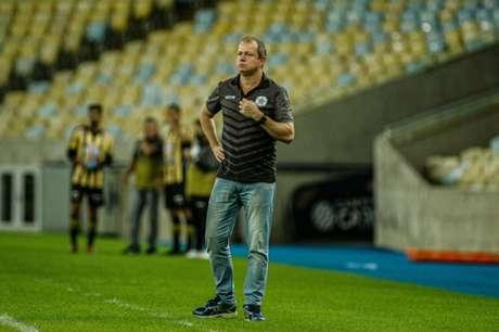 Sandro Sargentim durante a partida contra o Volta Redonda, no Maracanã, sem público (Foto: Alexandre Neto)