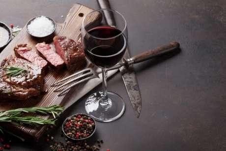 Guia da Cozinha - Vinho e churrasco: uma combinação que tem tudo para dar certo
