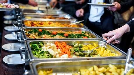 Ao dispor de um cardápio variado de alimentos, os humanos também optaram por uma dieta ideal para sua saúde, de acordo com estudos de Raubenheimer e Simpson