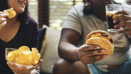 'Nosso apetite não sabe como lidar com esses alimentos ultraprocessados', explicam os pesquisadores