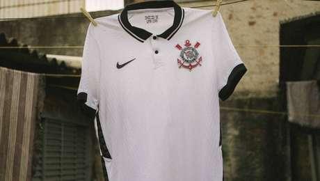 Nova camisa do Corinthians tem modelo que custa R$ 400,00