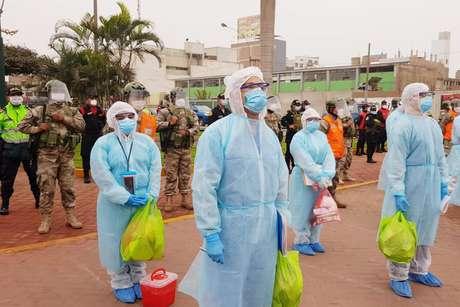 Equipes de resposta rápida visitam os distritos de Lima e Callao, fornecendo avaliação e diagnóstico contra a covid-19 para mais de 5.300 cidadãos em Lima, Peru