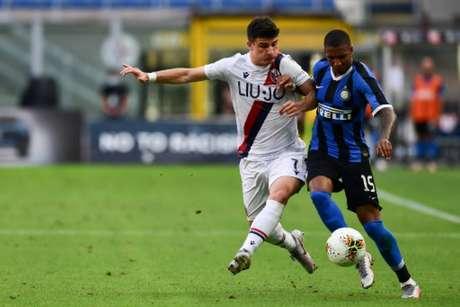 Bologna venceu Inter fora de casa em jogo muito brigado (MIGUEL MEDINA / AFP)