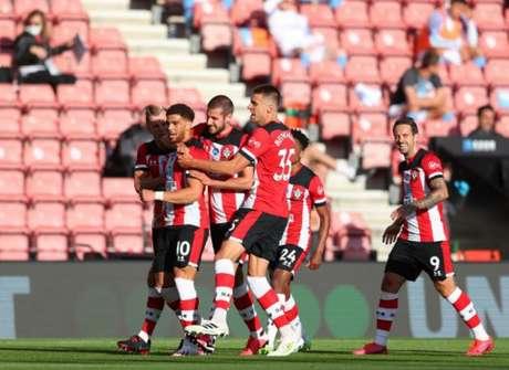 Adams marcou um lindo gol (Foto: CATHERINE IVILL / POOL / AFP)