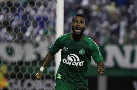Último clube de Luiz Antônio no Brasil foi a Chapecoense (Foto: Márcio Cunha)