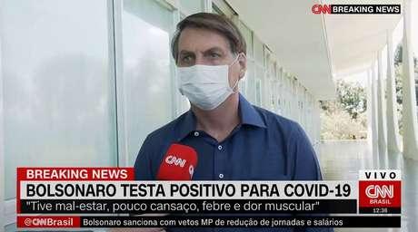 Bolsonaro afirmou nesta terça-feira, 07, que está com covid-19