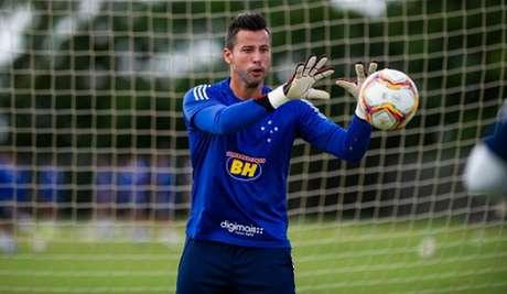 Fábio fez elogios ao trabalho de Enderson Moreira no Cruzeiro , vendo evolução da equipe nos treinos-(Bruno Haddad/Cruzeiro)