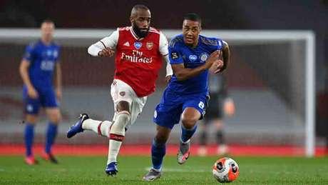 Em um belo jogo de futebol, Arsenal e Leicester empatam por 1 a 1 em Londres (AFP)