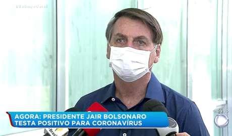 Bolsonaro ganhou destaque nas principais TVs do planeta ao anunciar diagnóstico positivo para o novo coronavírus