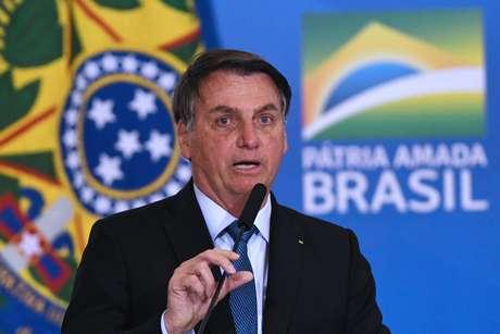 Bolsonaro vetou também a obrigatoriedade de fornecer água e comida para os indígenas