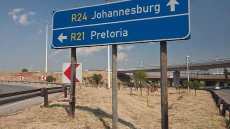 Aeroporto internacional Oliver Tambo, em Johanesburgo, foi onde grande foram presos grande parte dos brasileiros detidos na África do Sul