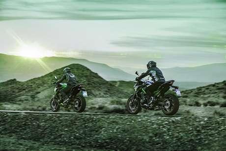 Kawasaki 900 é uma moto bastante versátil em sua proposta de uso.