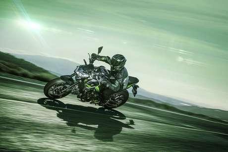 Nova Kawasaki 900 tem controle de tração e quatro modos de condução.
